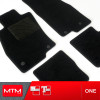 es. set tappeti MTM One - moquette nera - bordi cotone antiscivolo neri - battitacco moquette nera